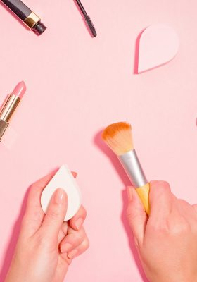 Why Is It Important to Clean Your Beauty Accessories