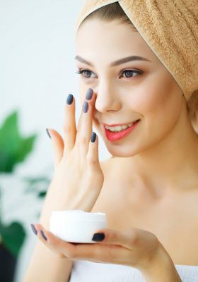 The Best Moisturizer for Women's Dry Skin