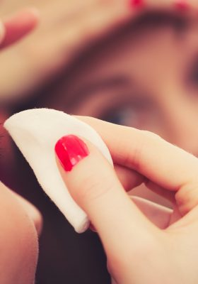 10 Makeup Removal Tips That Work